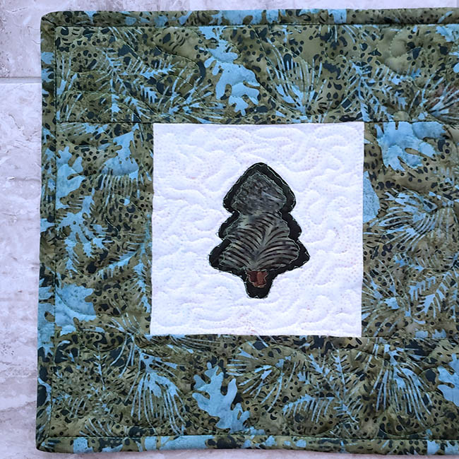 Pine Tree table runner tutorial applique closeup