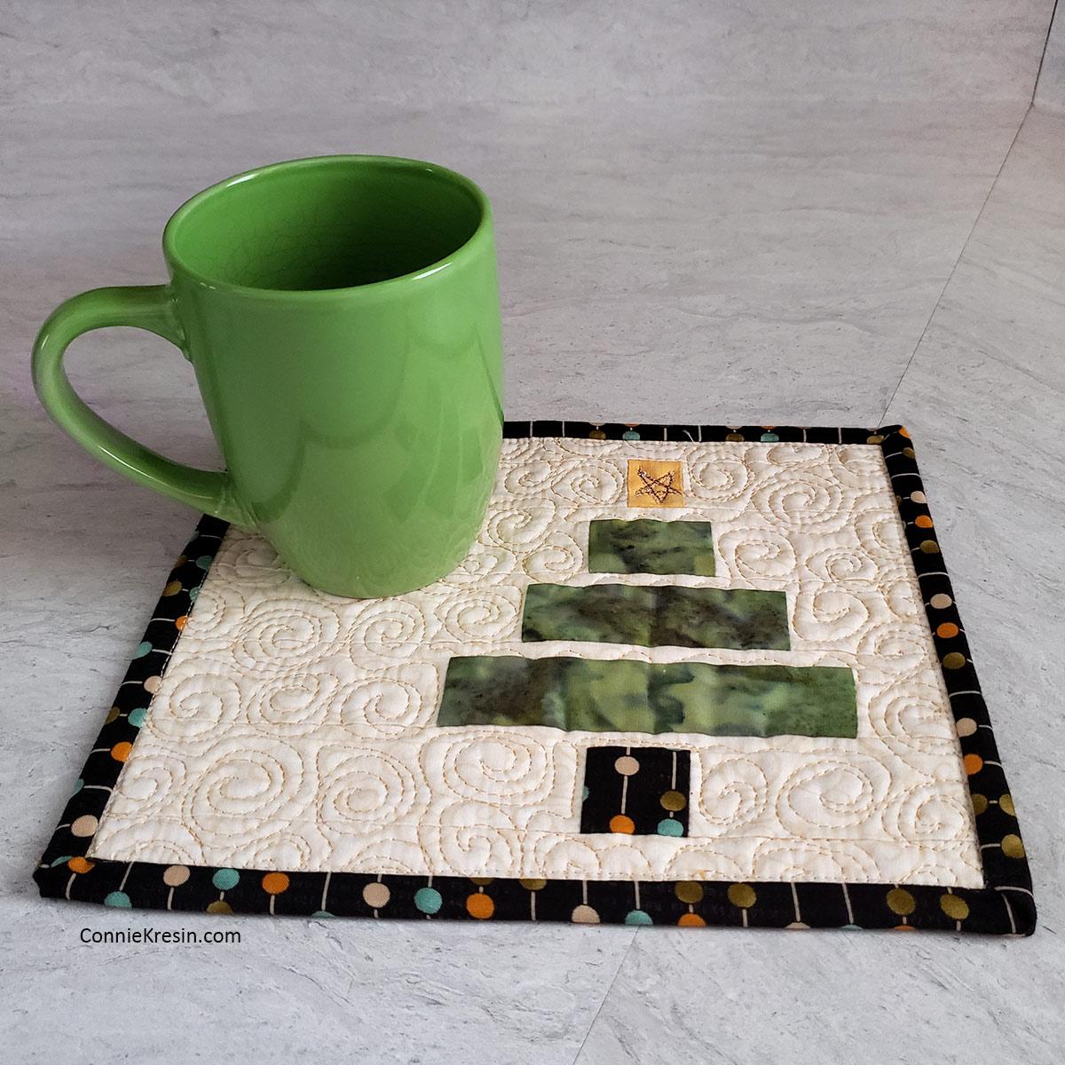 Wonky Christmas Tree mug rug