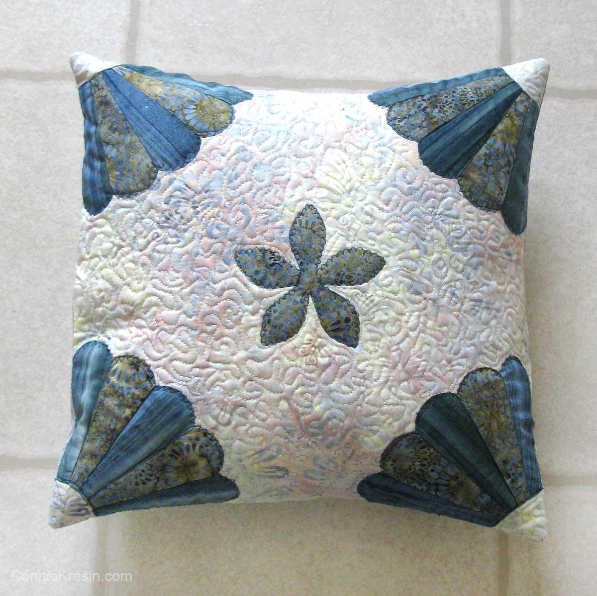 Dresden applique pillow closeup of quilting