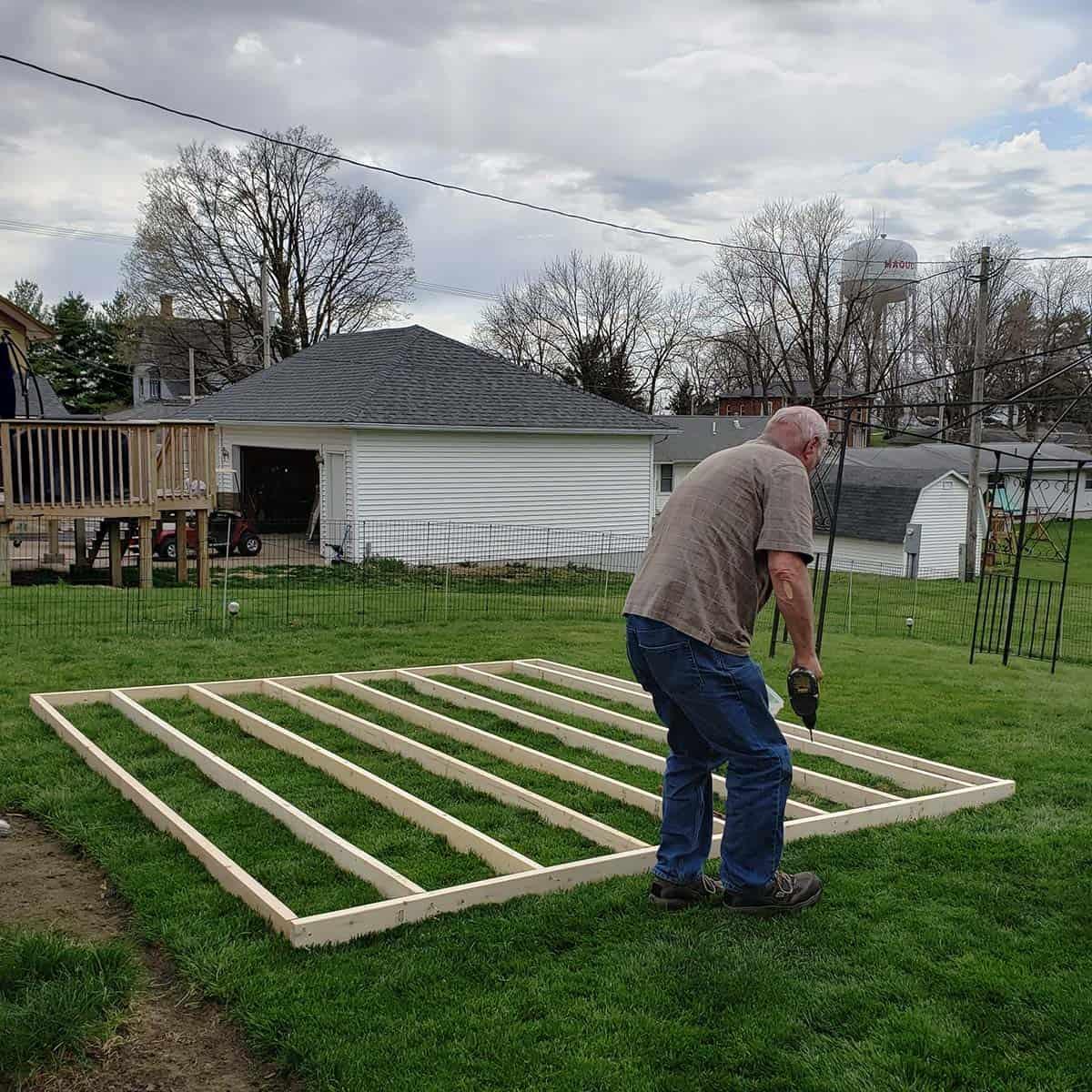 Building wood frame for gazebo