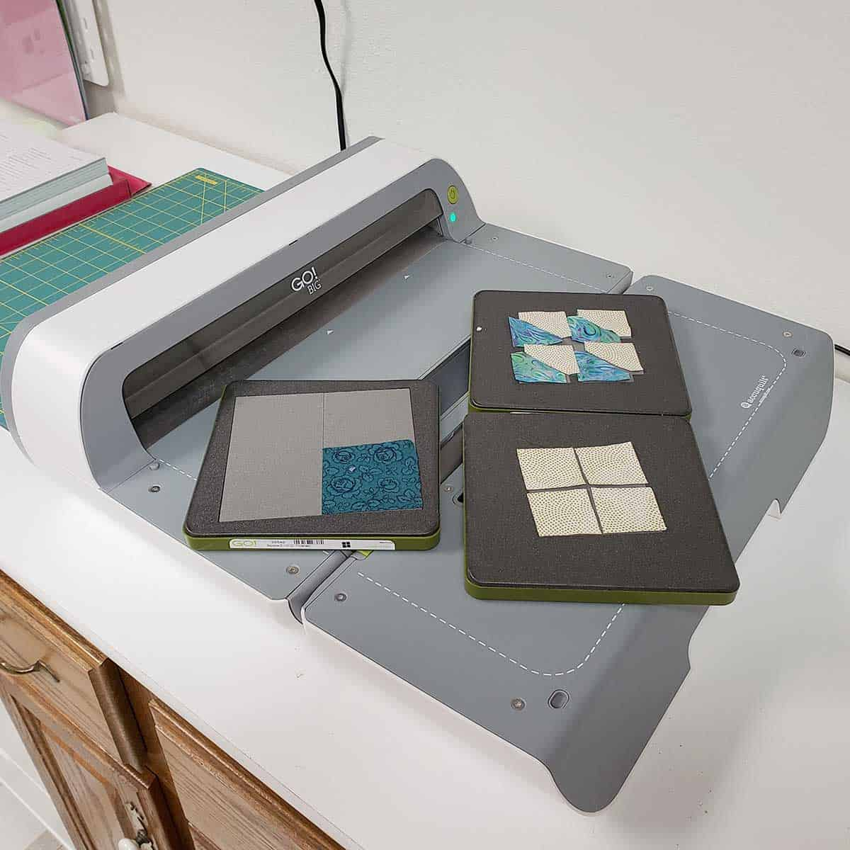 Using the AccuQuilt GO! cutter