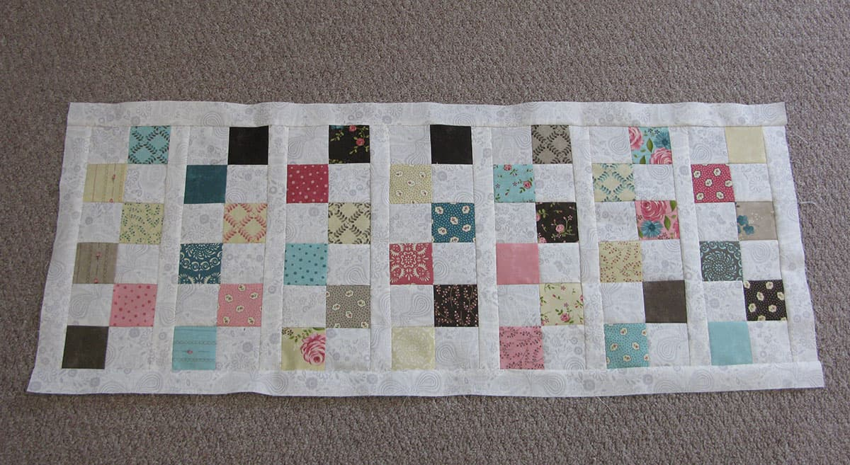 The 6 block table runner all pieced