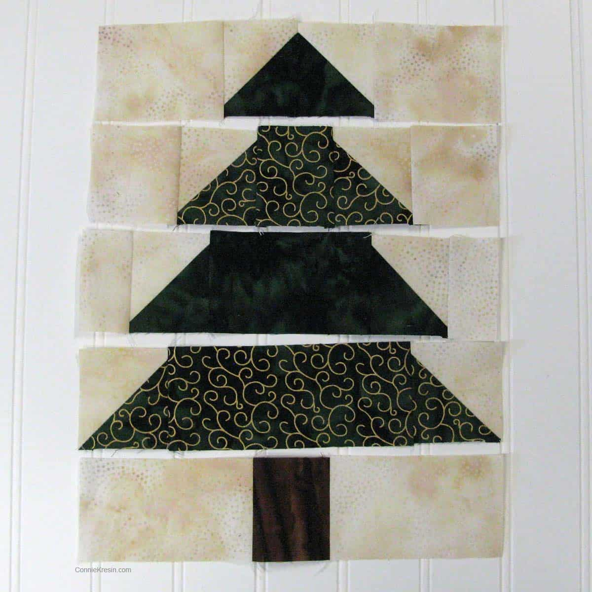 Christmas Tree table runner resized tutorial creating the quilt block