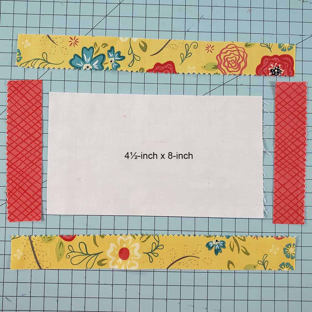 Using plain fabric in the center for the Courthouse Rows placemats