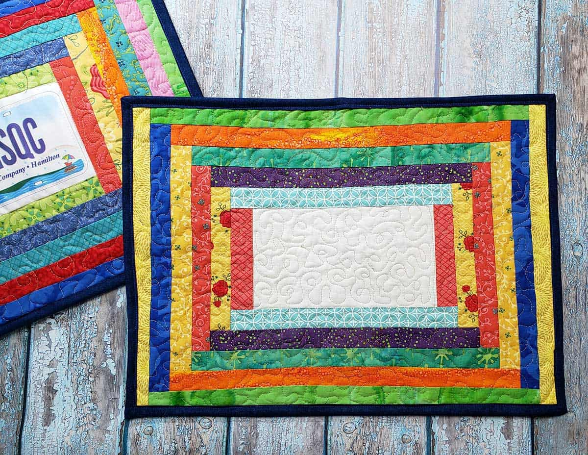 Completed Courthouse Rows placemat with solid center