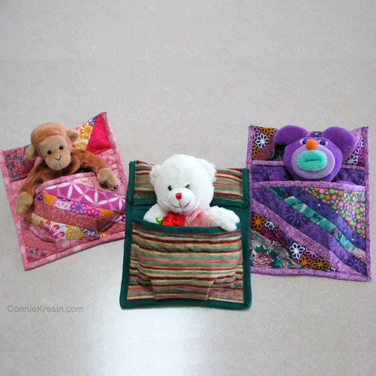 3 Stuffed animals sleeping bag tutorial