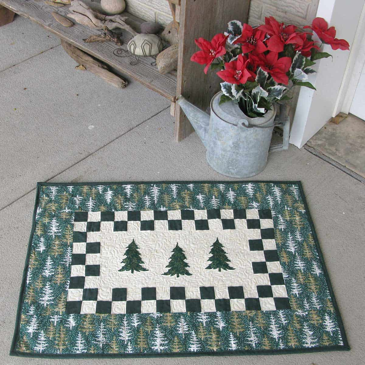 Evergreen table topper