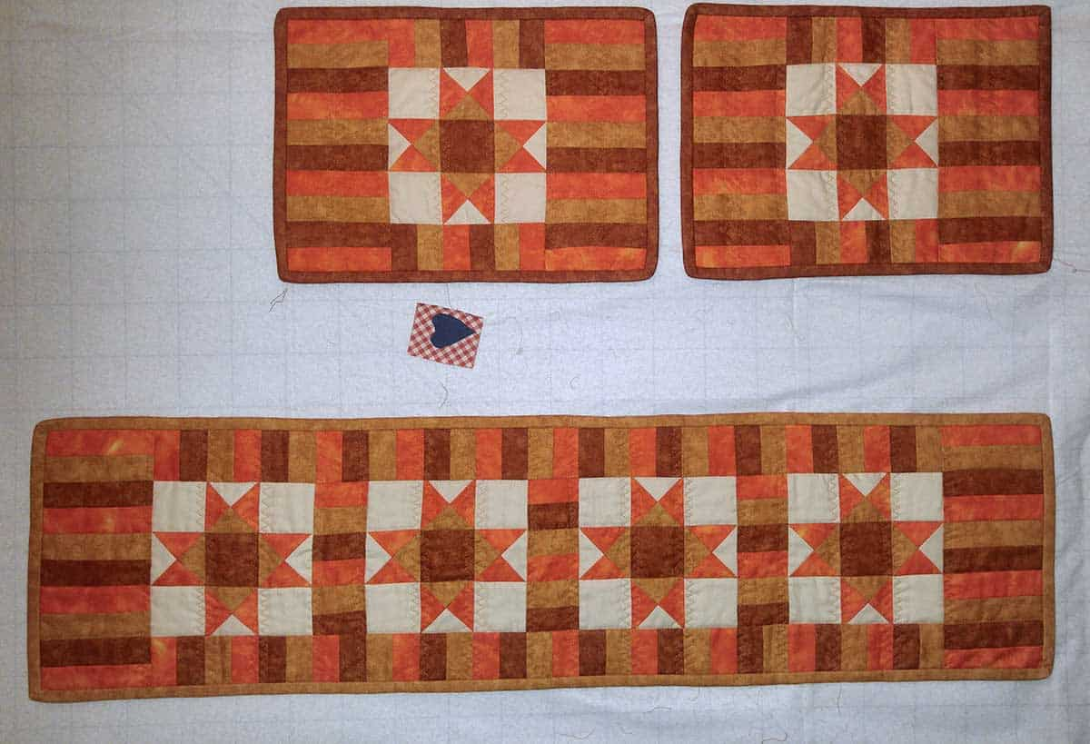 Ohio Star table runner and placemats