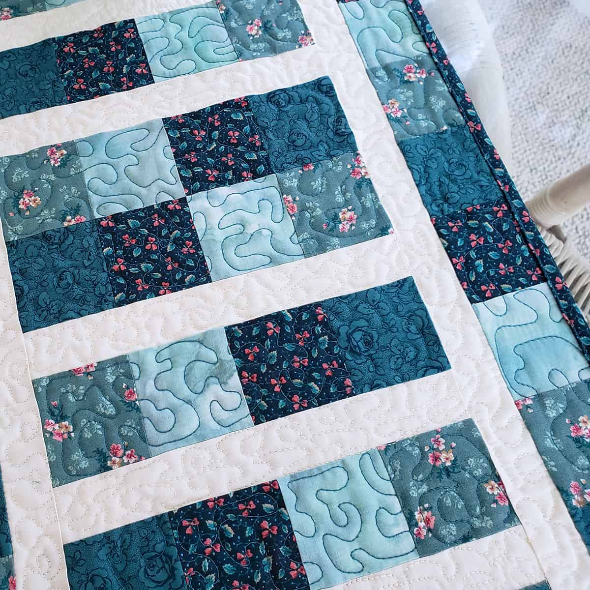 Closeup of the quilting on the table runner