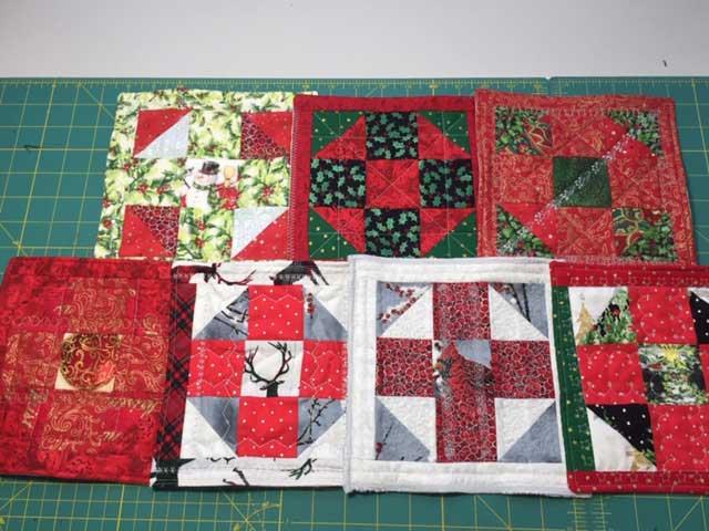 Christmas mug rugs by Linda