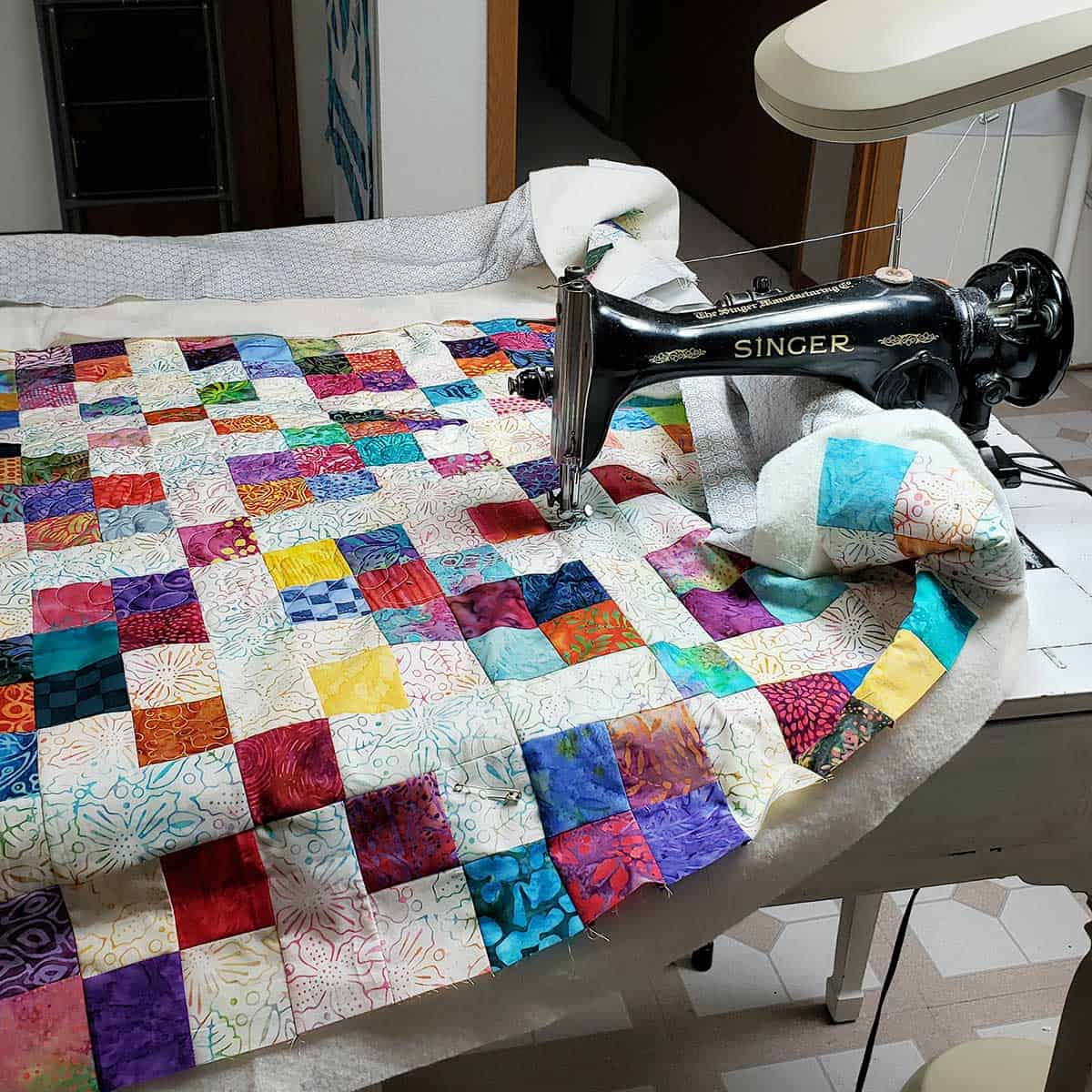 Quilting the scrappy quilt