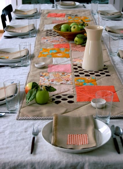 Thanksgiving table runner for a table